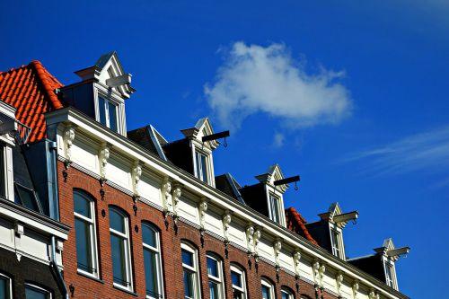 house facade story