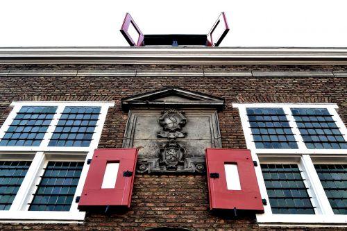 Amsterdamas,namas,langai,senas namas,architektūra,eksterjeras