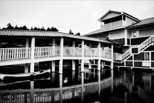 house,white,black,architecture,photo,water,reflection,landscape,house architecture,barca,sadness,melancholy,guatemala