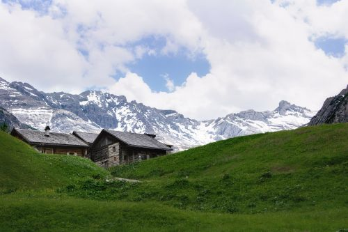 house mountains alps