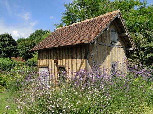 house stud garden