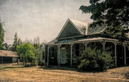 house  old farmhouse  homestead
