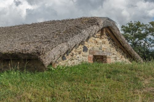 namas,šiaudai,ekologija