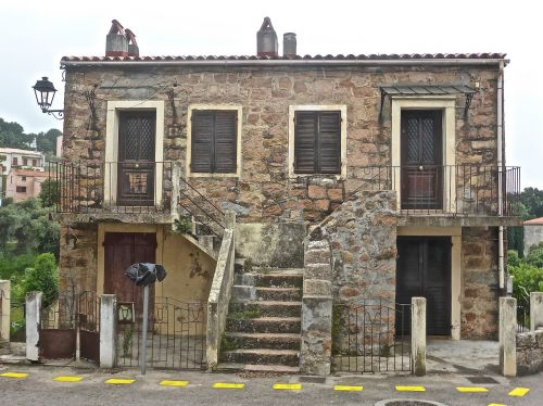 house entrance exterior