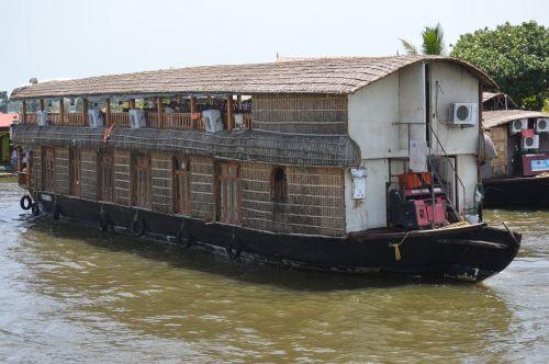namas valtis,kerala,Indija