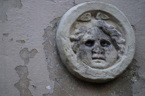 house facade head motif