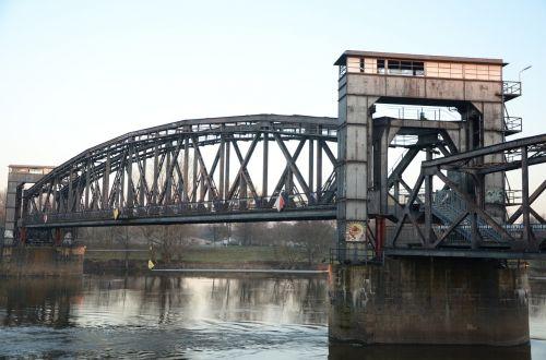 hubbrücke magdeburg railway bridge