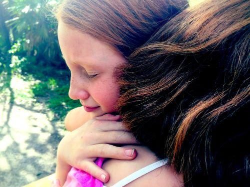 hug grief sisters