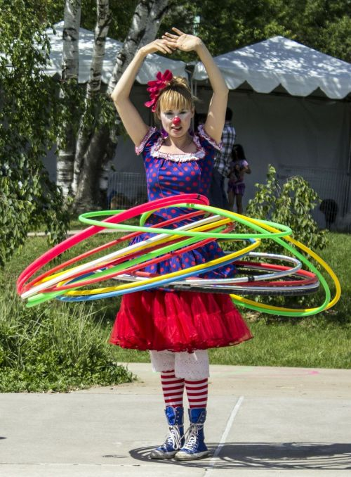 hula hoops clown