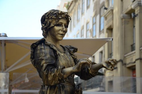 human statue statue street artists