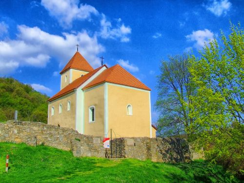 vengrija,bažnyčia,pastatas,architektūra,dangus,debesys,siena,medžiai,gamta,lauke,Šalis,kaimas,vasara,pavasaris,hdr
