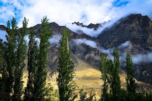 hunza  landscape  mountains