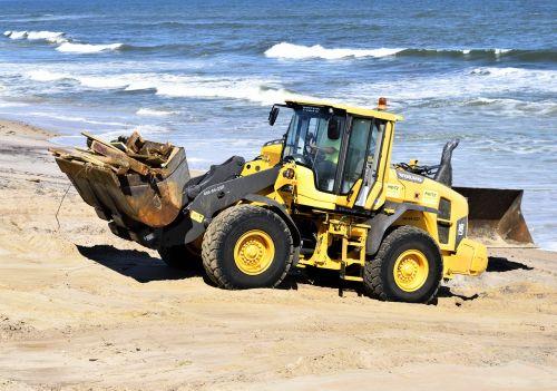 hurricane matthew tractor beach clearing