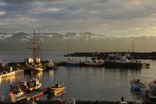 húsavík port sea