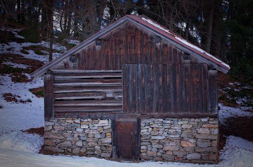 hut barn wood mint