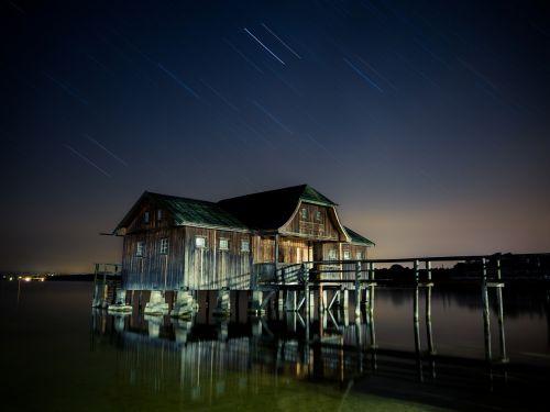 hut lake star