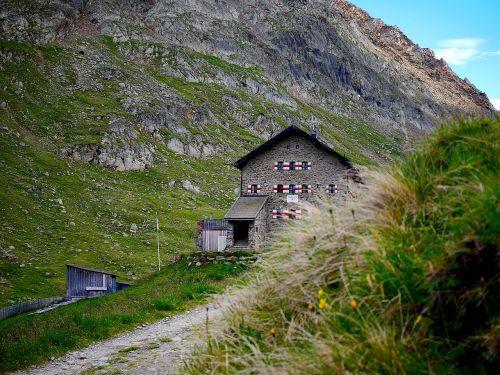 hut mountains mountain hut
