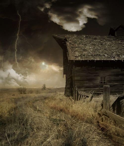 hut thunderstorm sky