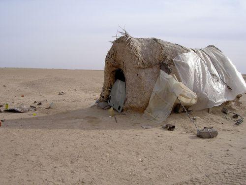 hut desert nomad
