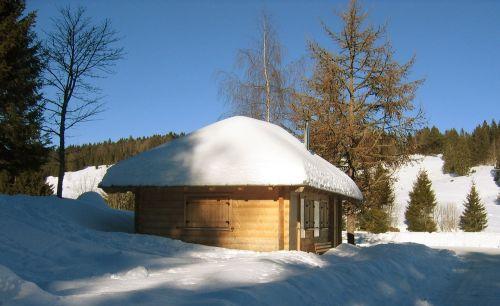 hut roof winter