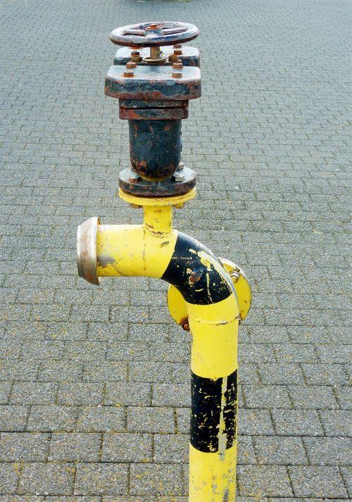 hydrant water supply emergency
