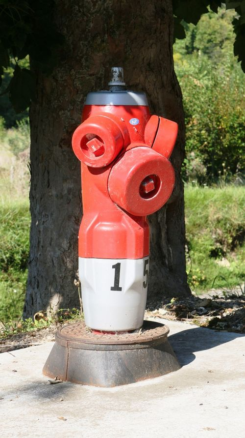 hydrant fire hydrant water