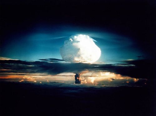 hydrogen bomb atomic bomb nuclear explosion