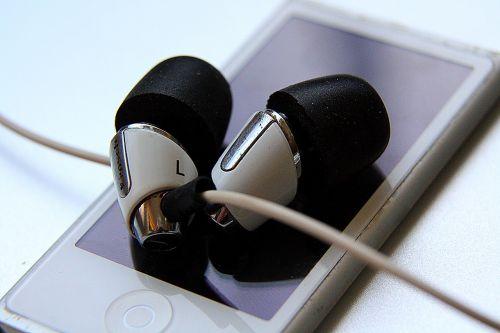 i-pod in-ears music