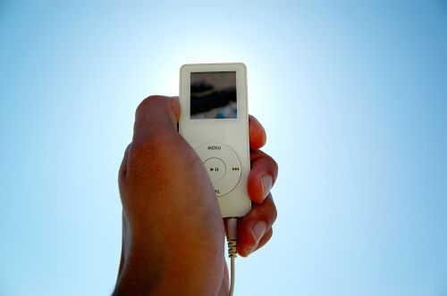 i-pod mp3-player hand