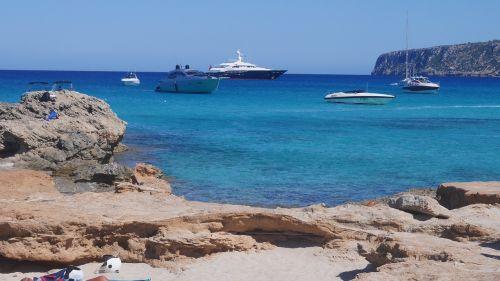 ibiza beach yachts