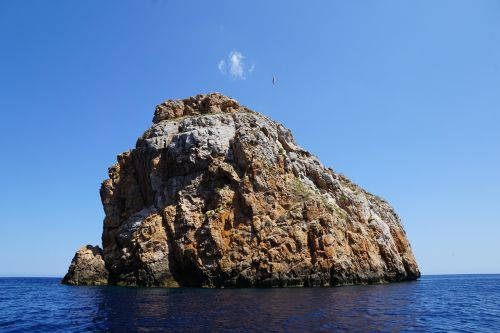 ibiza rock sea