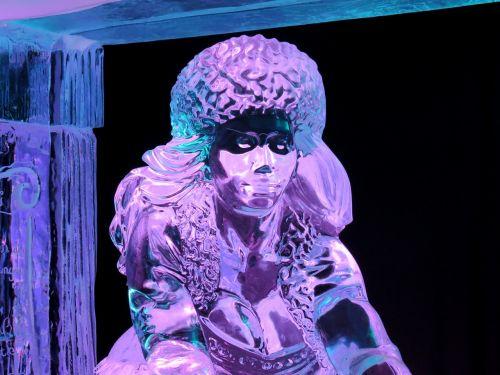 ice face sculpture