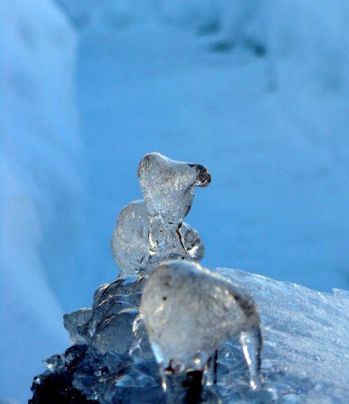 ice ice sculpture animals