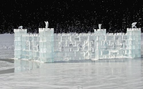 ice castle frozen lake louise