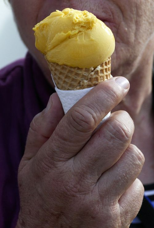 ice cream hand waffle