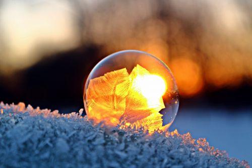 ice flowers eiskristalle soap bubble