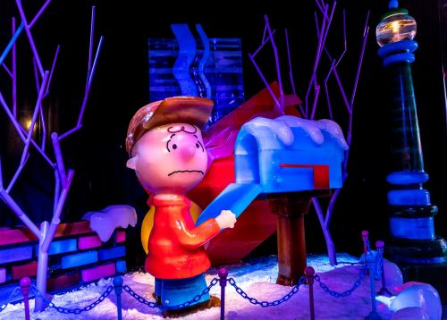 ice sculpture charlie brown mail box