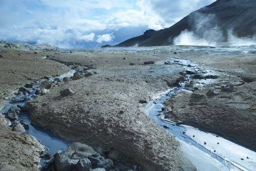 iceland geyser smoke