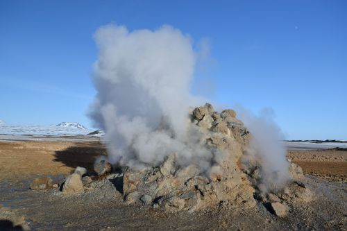 iceland active volcano sulphur