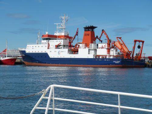 iceland reykjavik ship