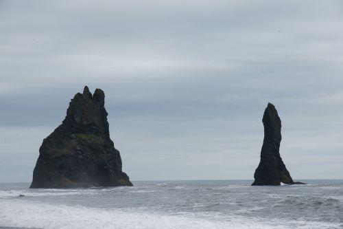 reynisdrangar cliff iceland