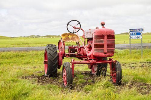 iceland tractor oldtimer
