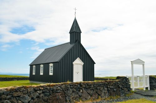iceland budakirkja church
