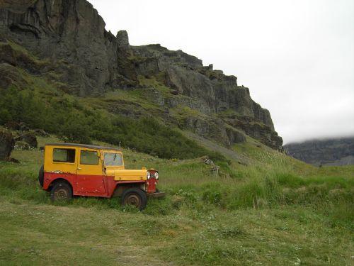 iceland,Jeep,Debesuota,žalias