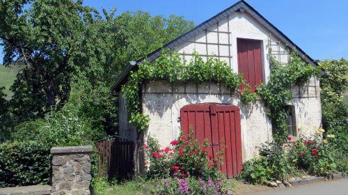 idyllic quaint home
