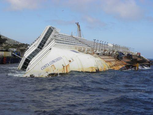 il giglio costa concordia ship
