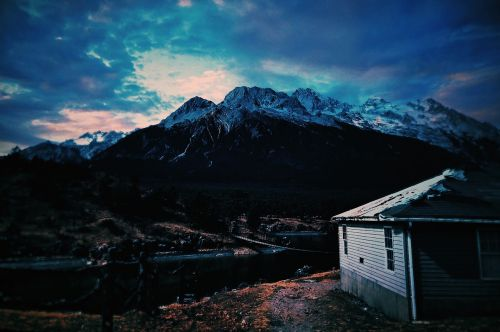 in yunnan province the jade dragon snow mountain log cabin