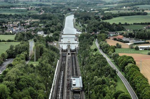 inclined plane of ronquières hoist charleroi-bruxelles canal