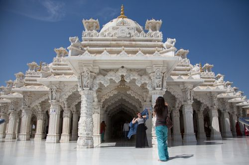 india shree swaminarayan temple white temple