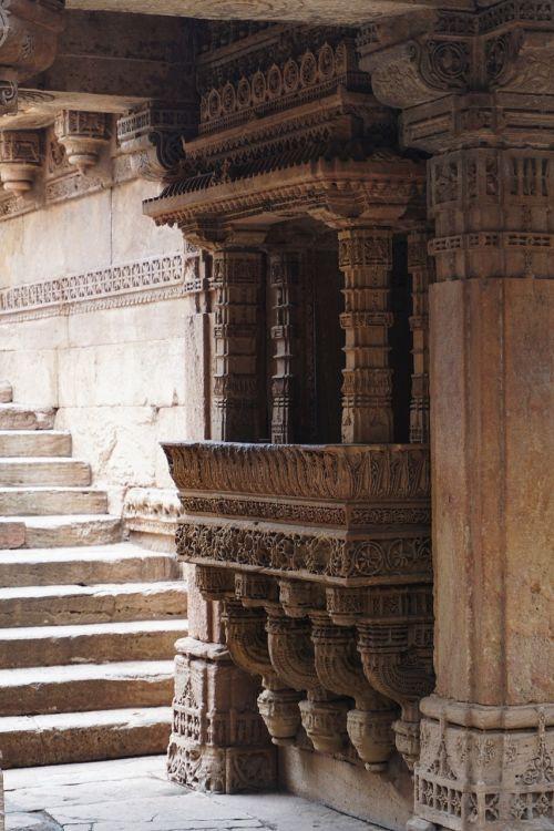 india wells sculpture